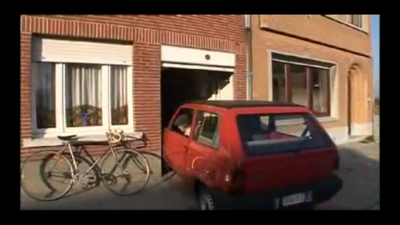 Chlapík parkuje v garáži jen o 6 cm širší než auto