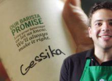 Proč ve Starbucks píšou vaše jméno špatně?