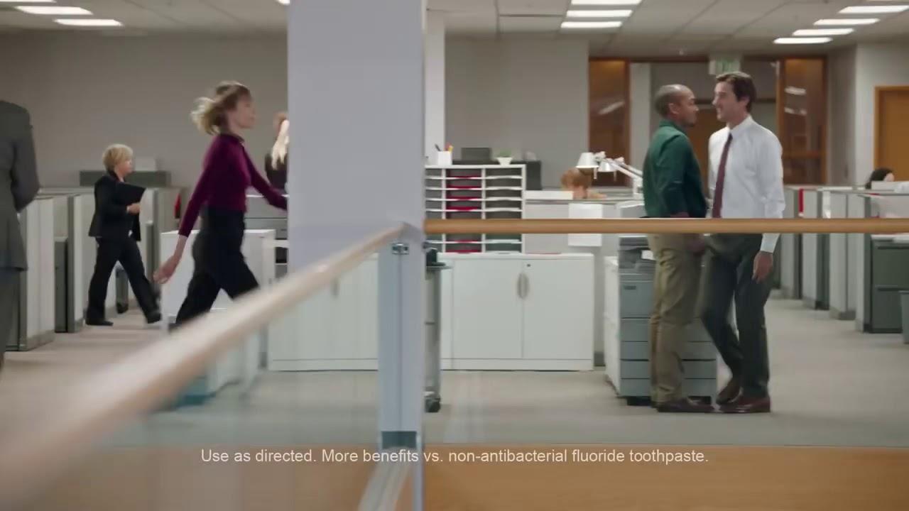 Reklama na Colgate Total