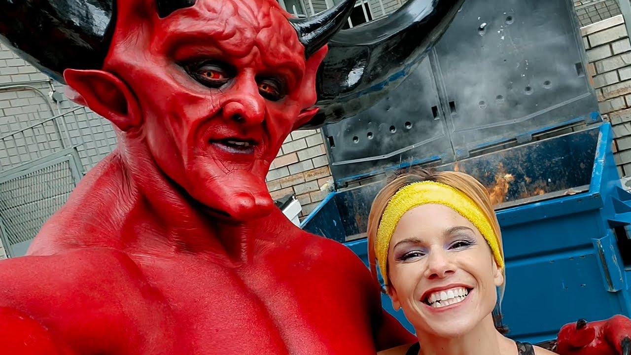 Satan se potkává s rokem 2020 (2.díl)