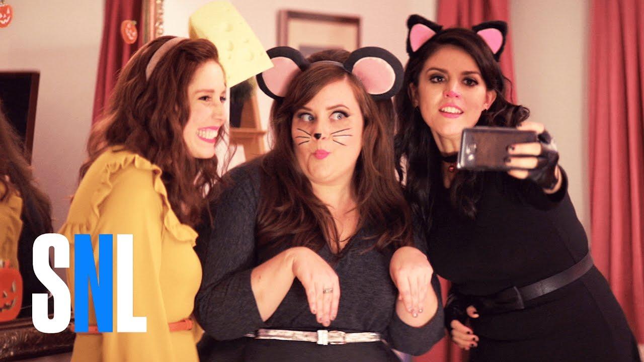 SNL: Když holky paří na Halloweena