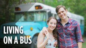 Tihle manželé bydlí v autobusu